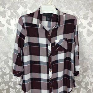POLLY & ESTER Shirt, Size Medium.
